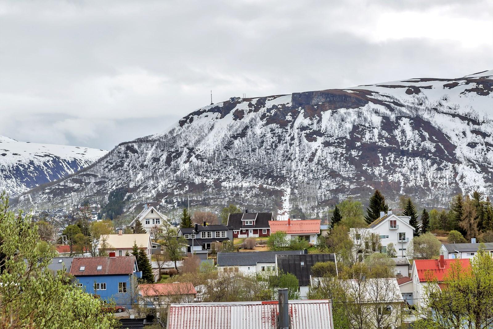 Utsikt til fjellheisen.