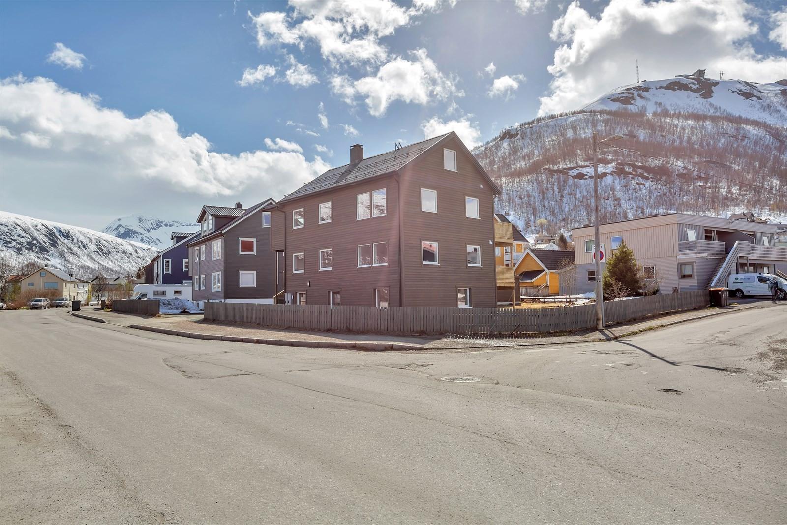 Turistvegen 31 er plassert sentralt i Tromsdalen