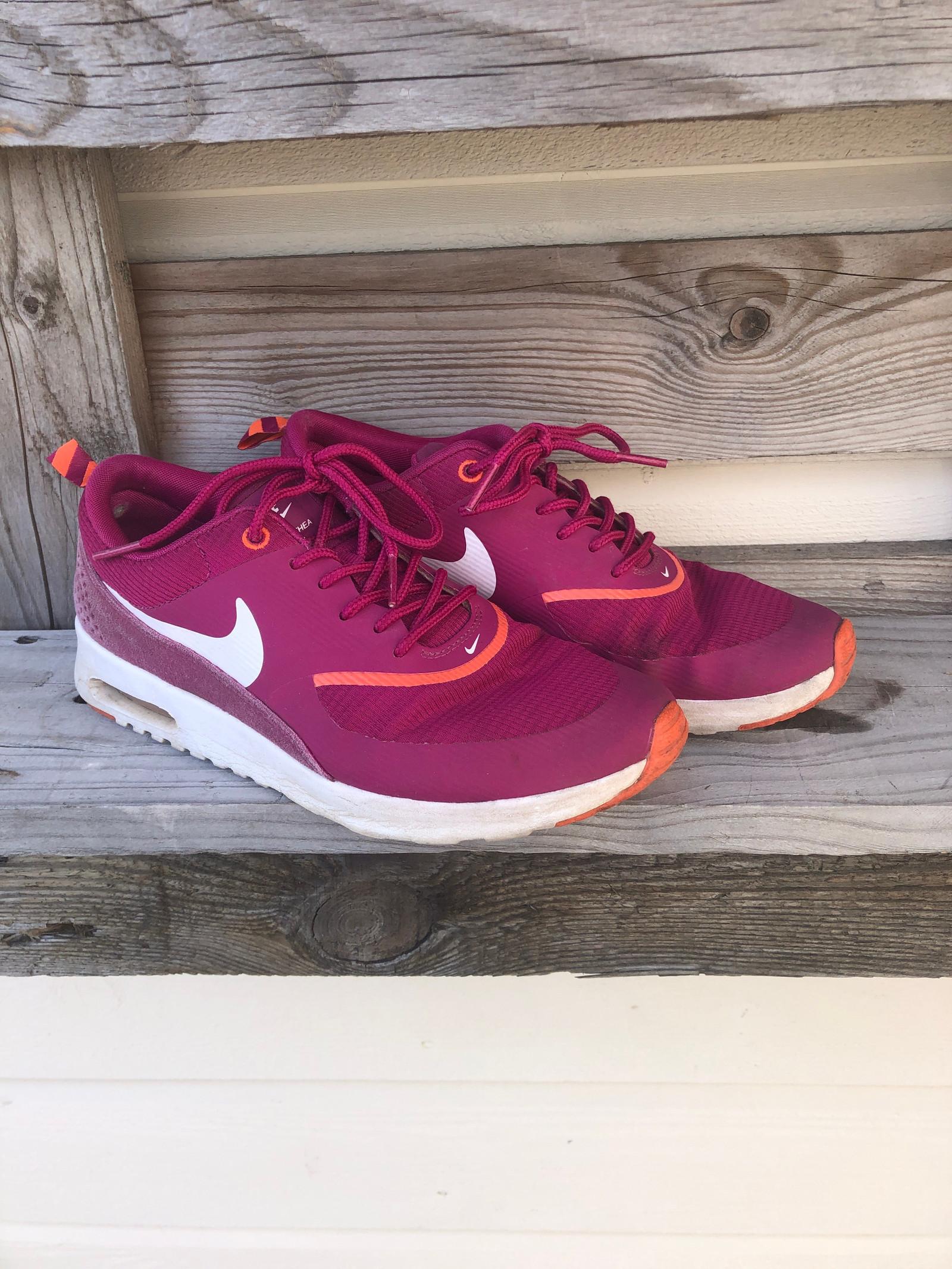 Nike air Max Thea str 38 selges billig | FINN.no
