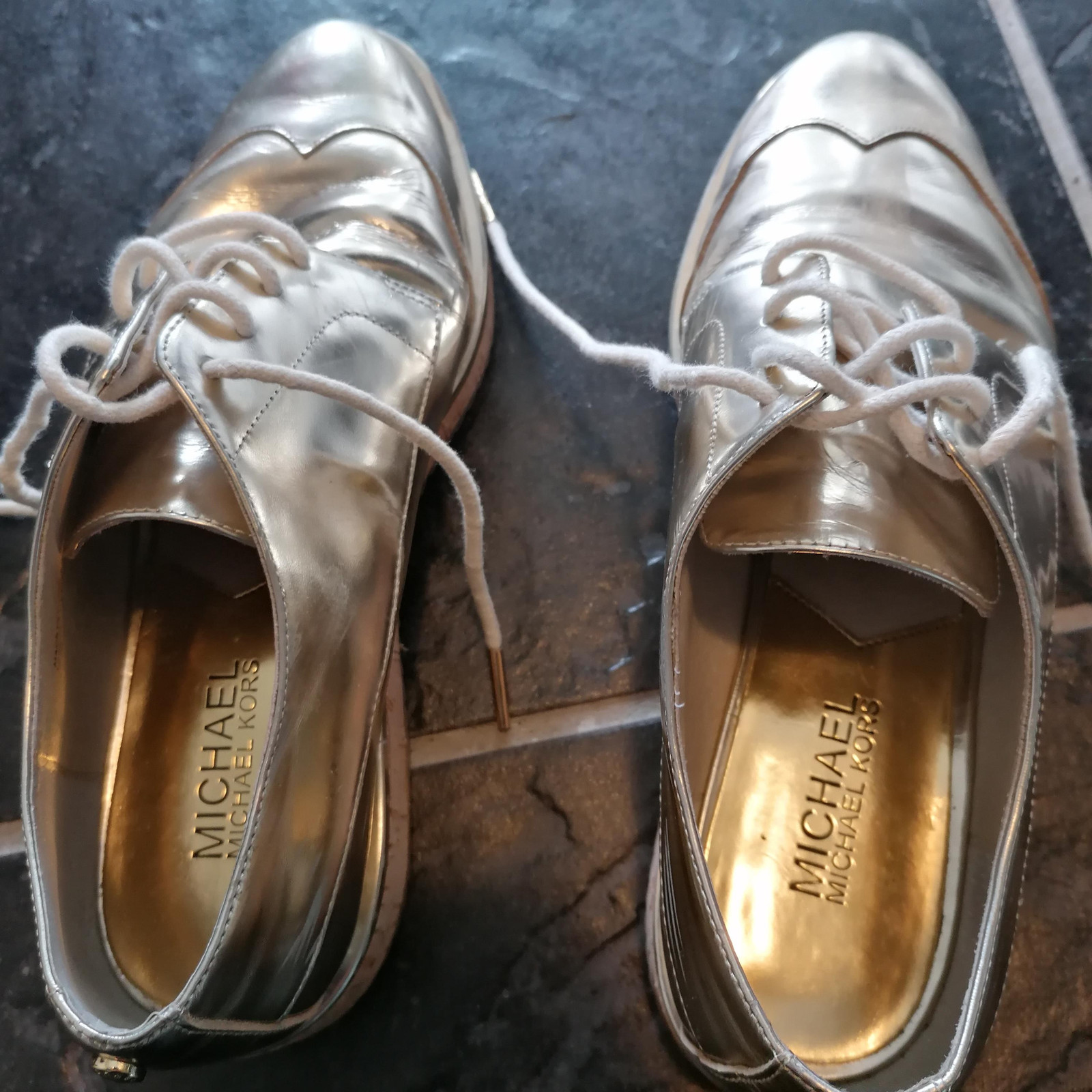 Michael Kors sko gull kilehæl | FINN.no