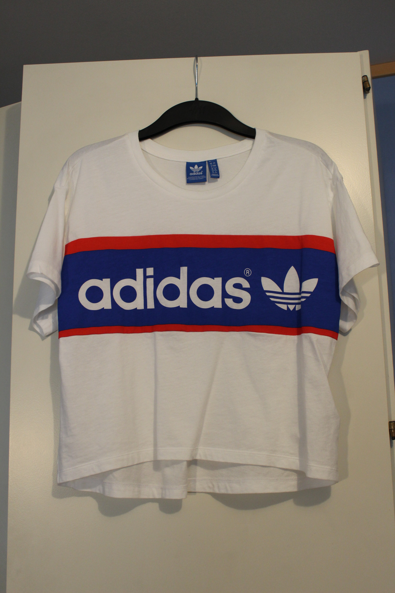 Helt ny Adidas t skjorte str M | FINN.no