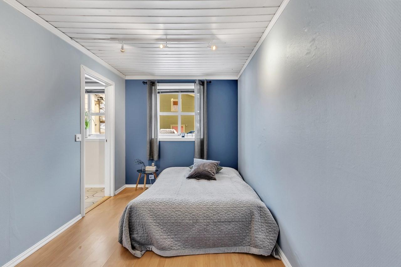 Soverommet har plass til stor seng