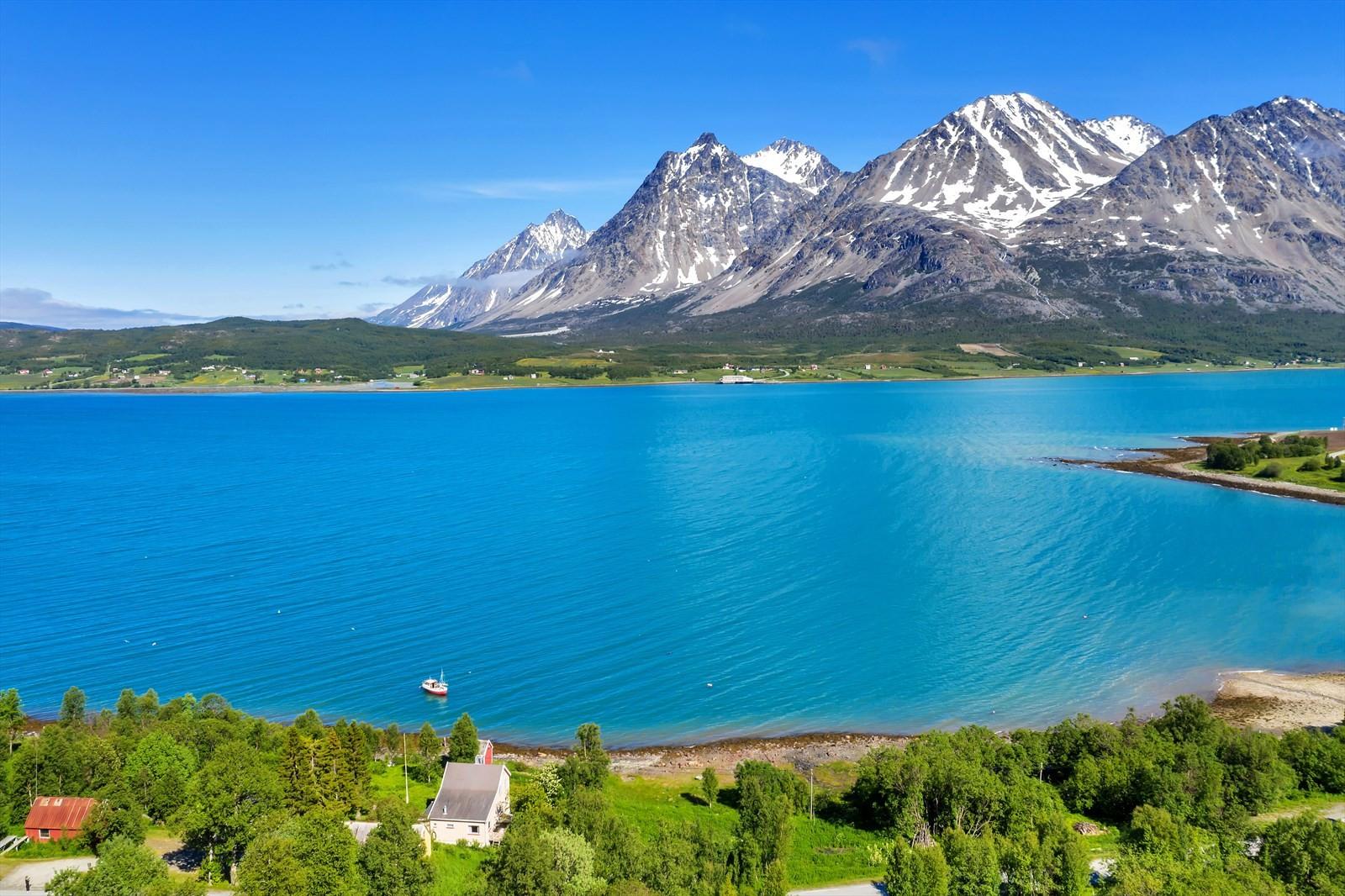 Nydelig utsikt til Lyngsfjellan!