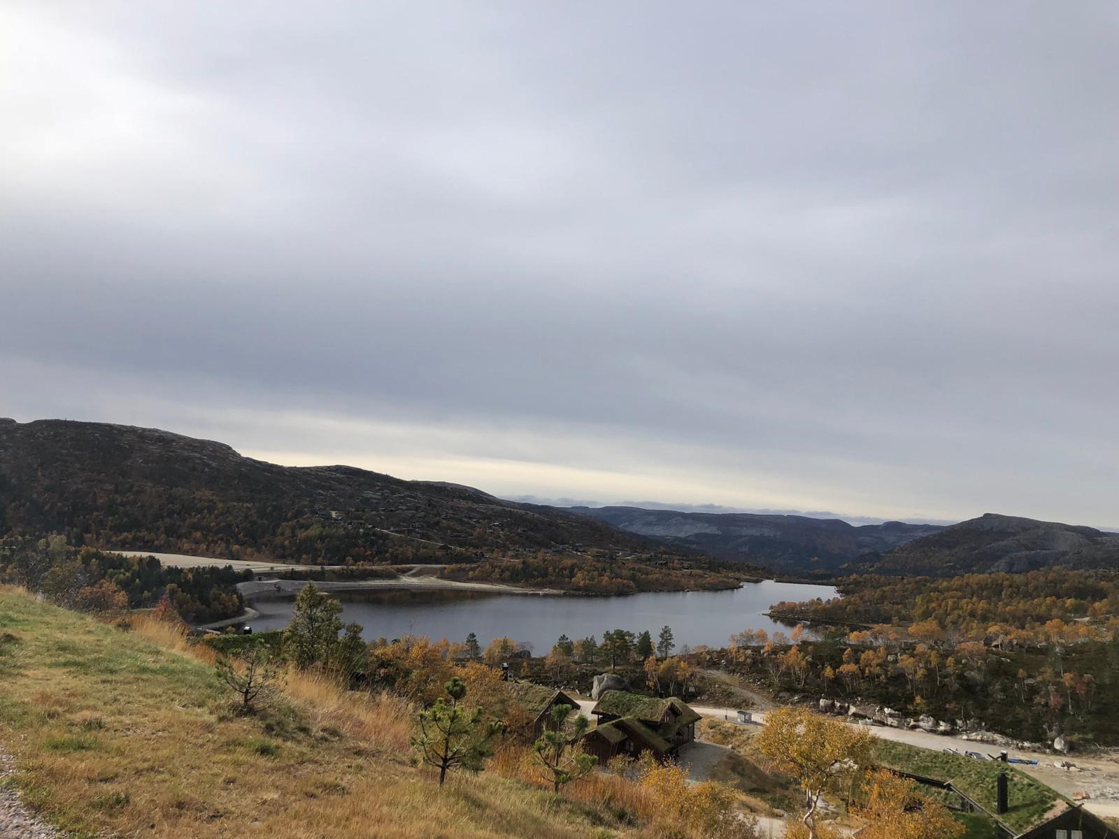 """Den fantastiske utsikten fra hytte grenden """"Reinshommen II"""" - Nesten helt oppe med villreinen på høyfjellet."""