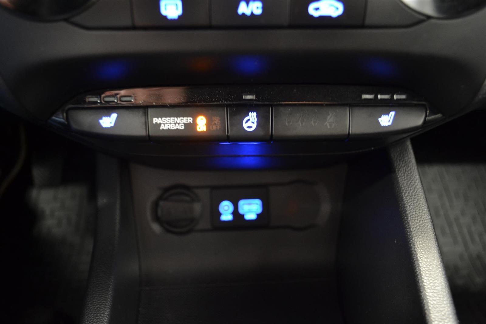 Hyundai i20 Slide 11