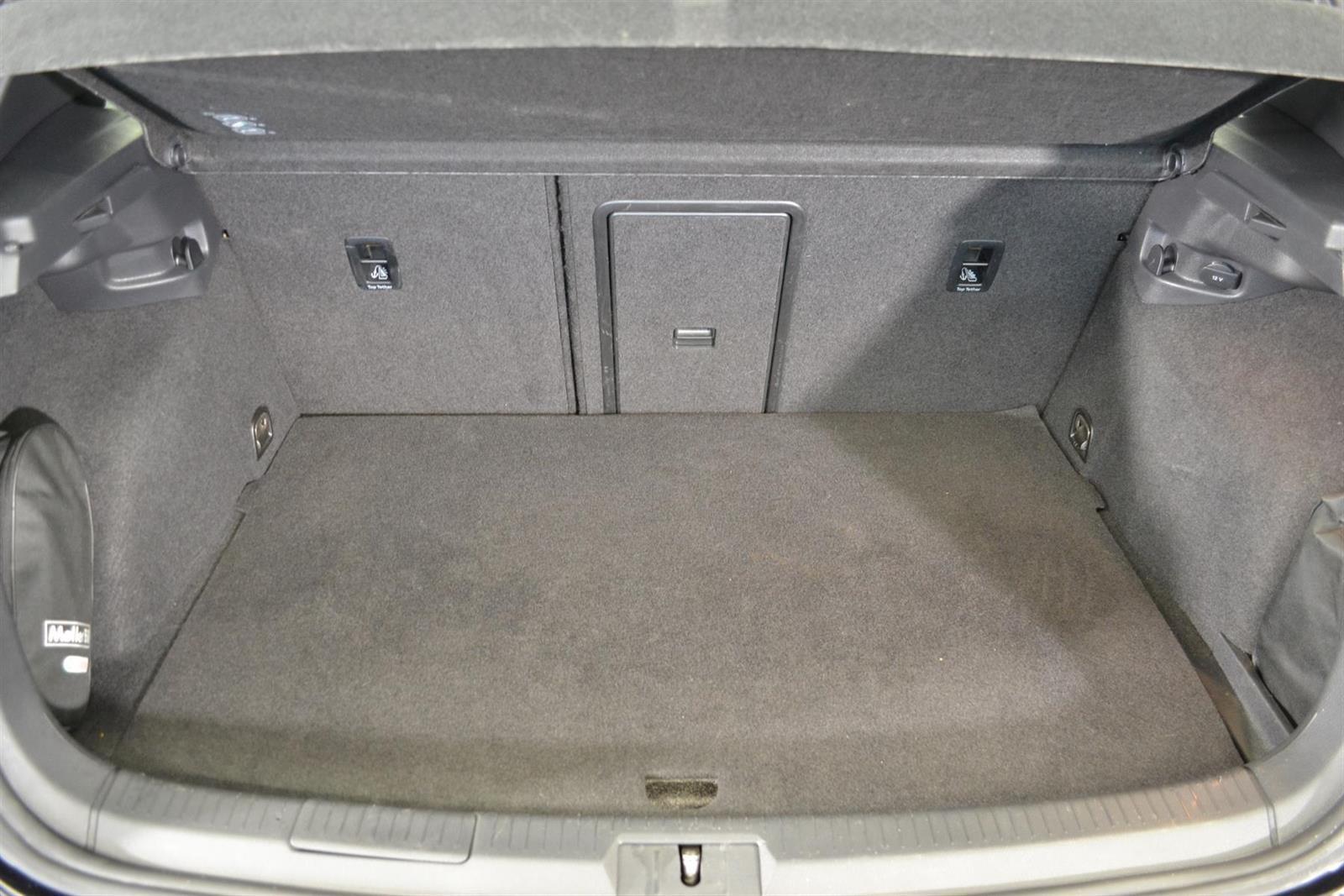 Volkswagen Golf Slide 7