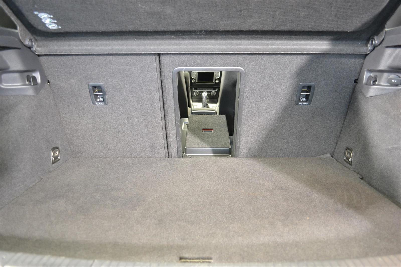 Volkswagen Golf Slide 9