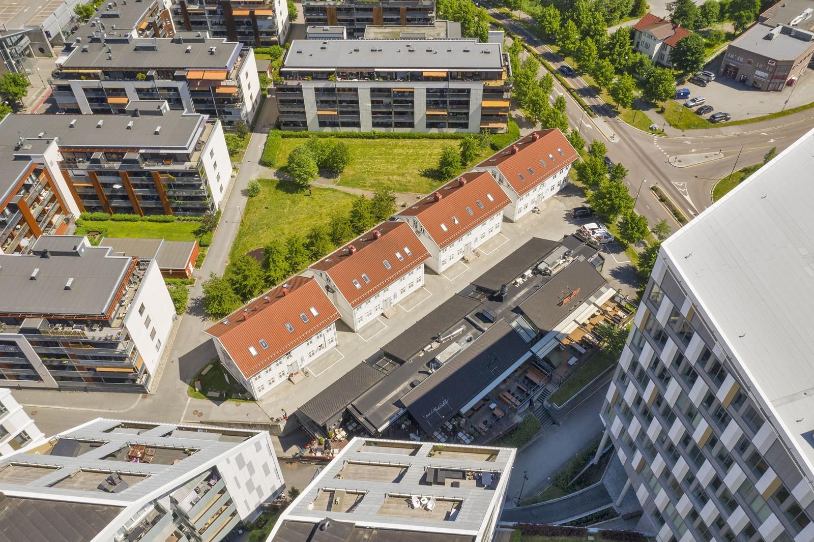 Beliggende i Portalen, rett ved Lillestrøm sentrum og Lillestrøm stasjon