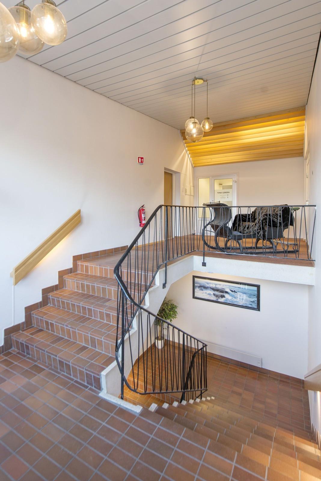 Innvendig trappeareal - hovedinngang kontor