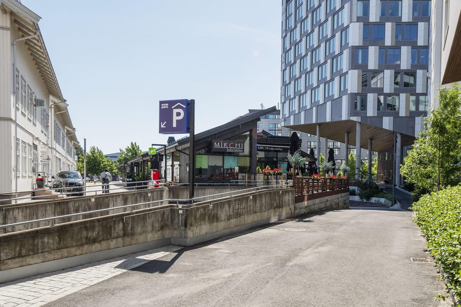 Enkel adkomst og gode parkeringsmuligheter