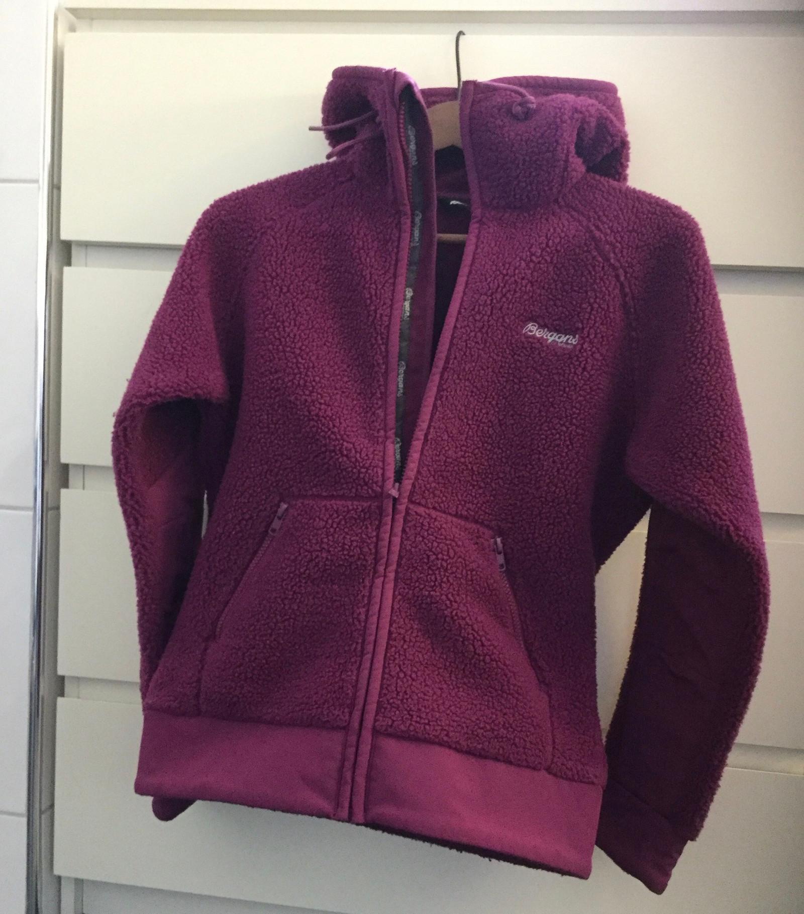 Bergans ull fleece hetter jakker, damer. Str. xs kr. 199kr