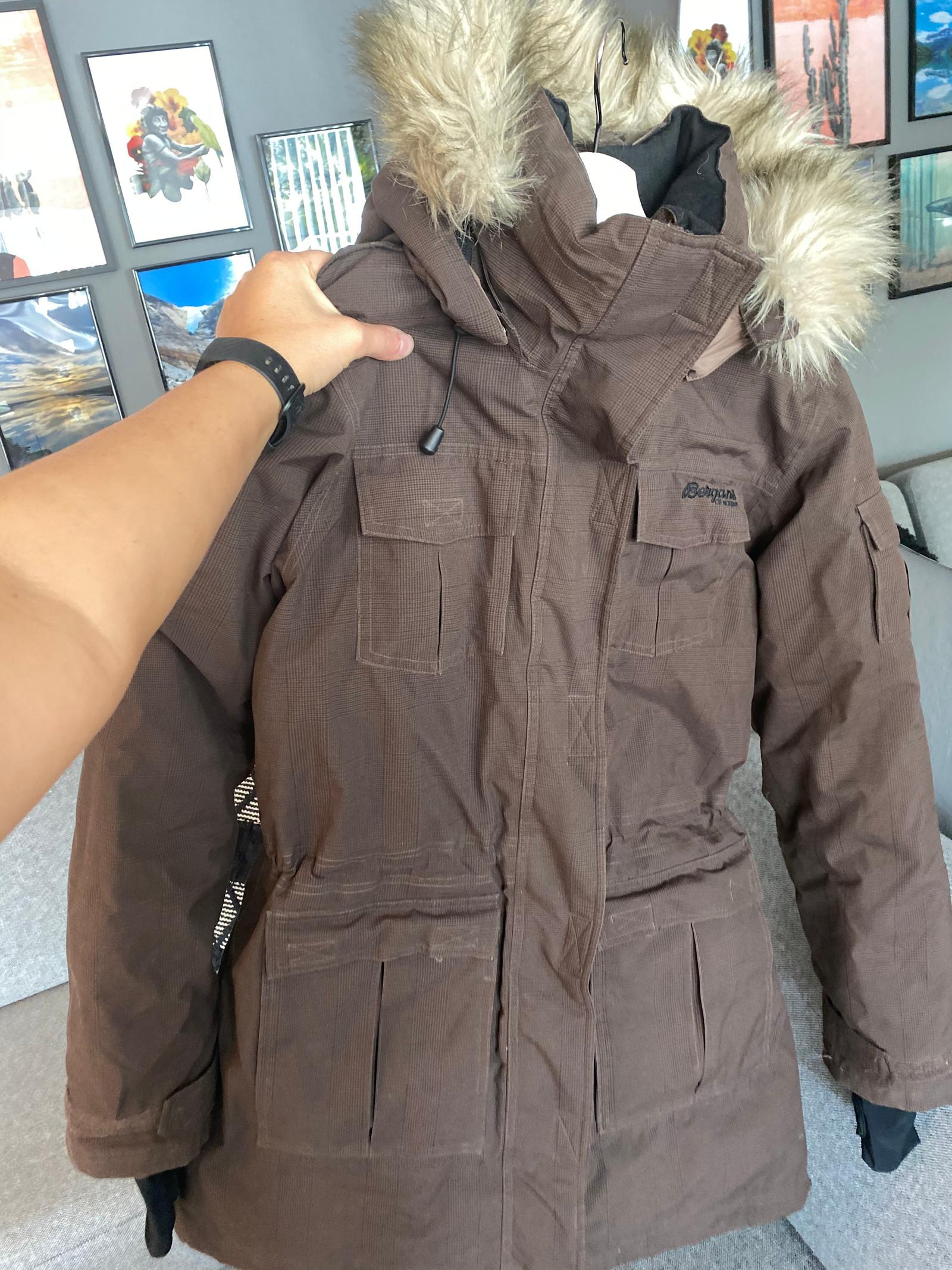Lite brukt bergans jakke st Medium dame modell | FINN.no