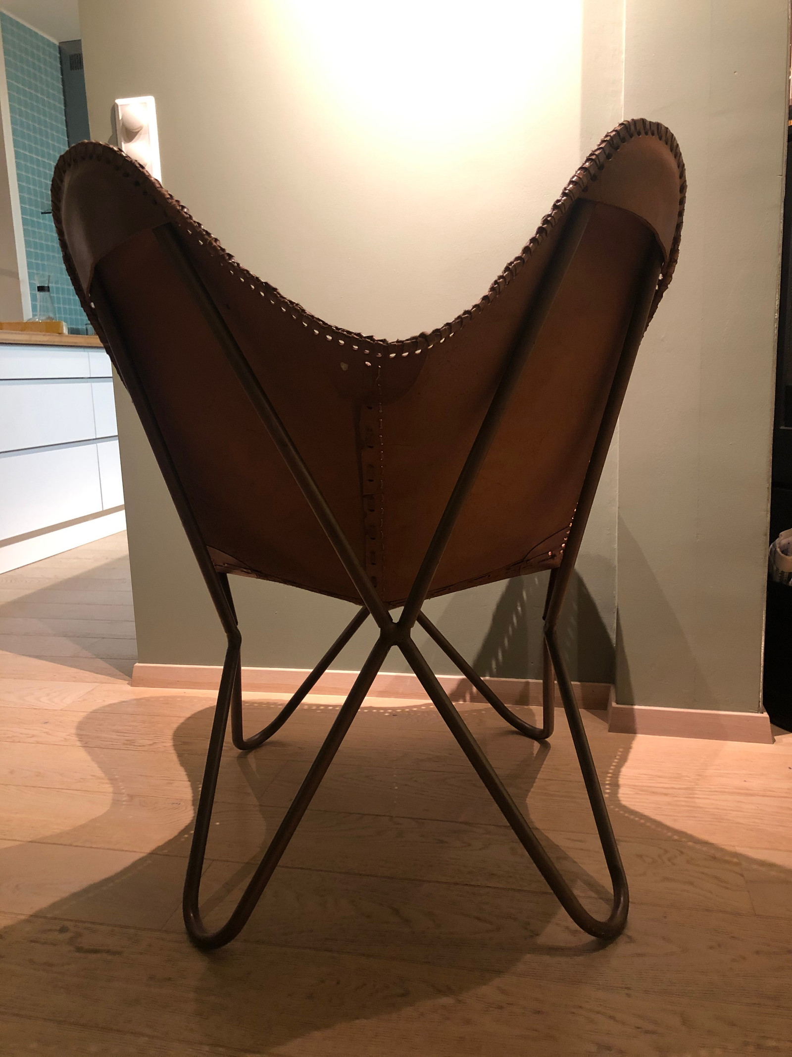 Strøken Butterfly stol, nærmest ubrukt, selges pga flytting