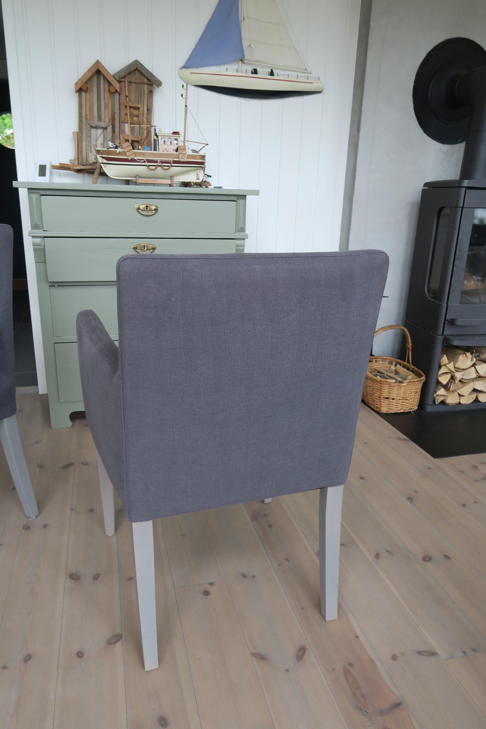 Home & Cottage – «Celine» spisestoler i grått stoff med grå