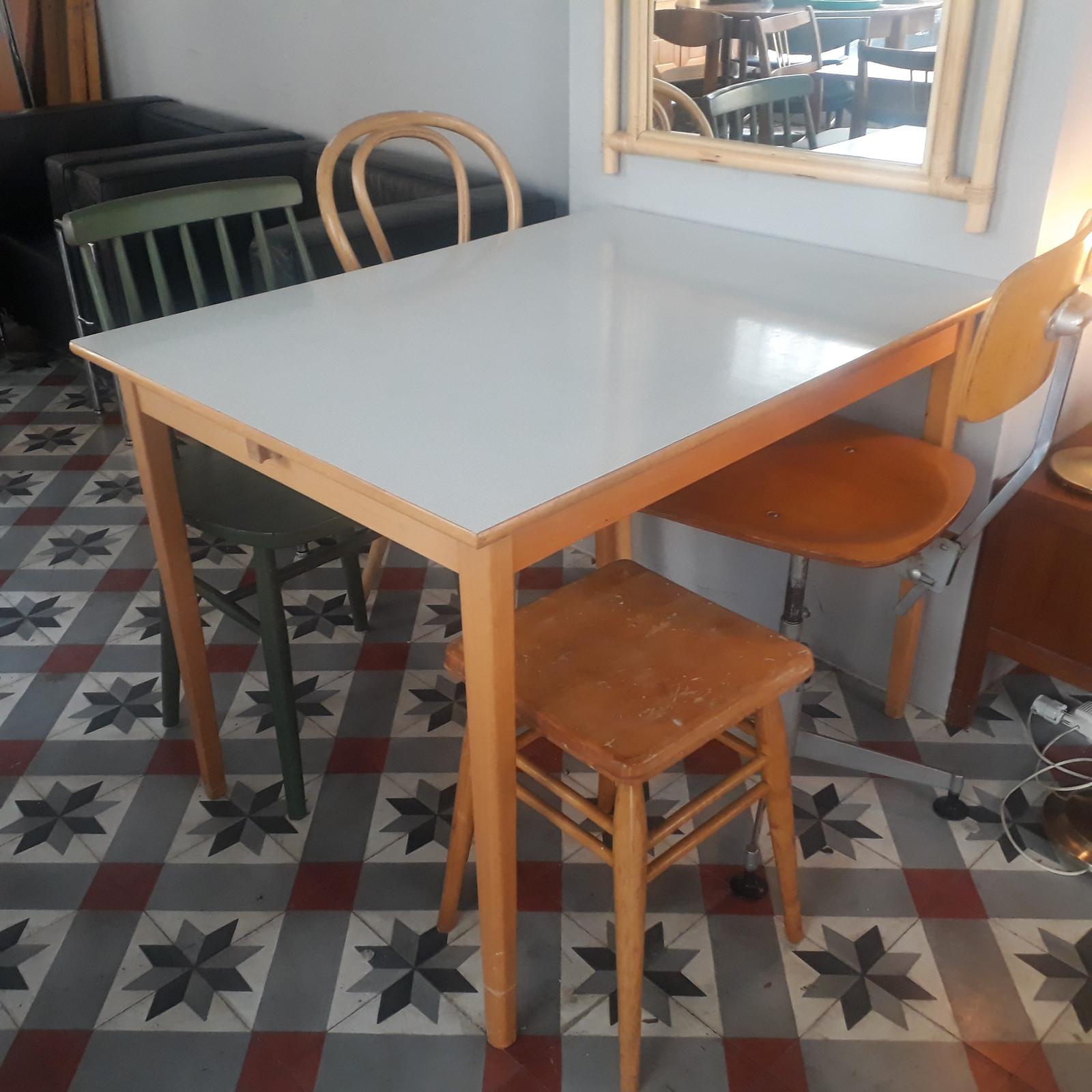 Hans J. Wegner. Spisebord af teak med hollandsk udtræk