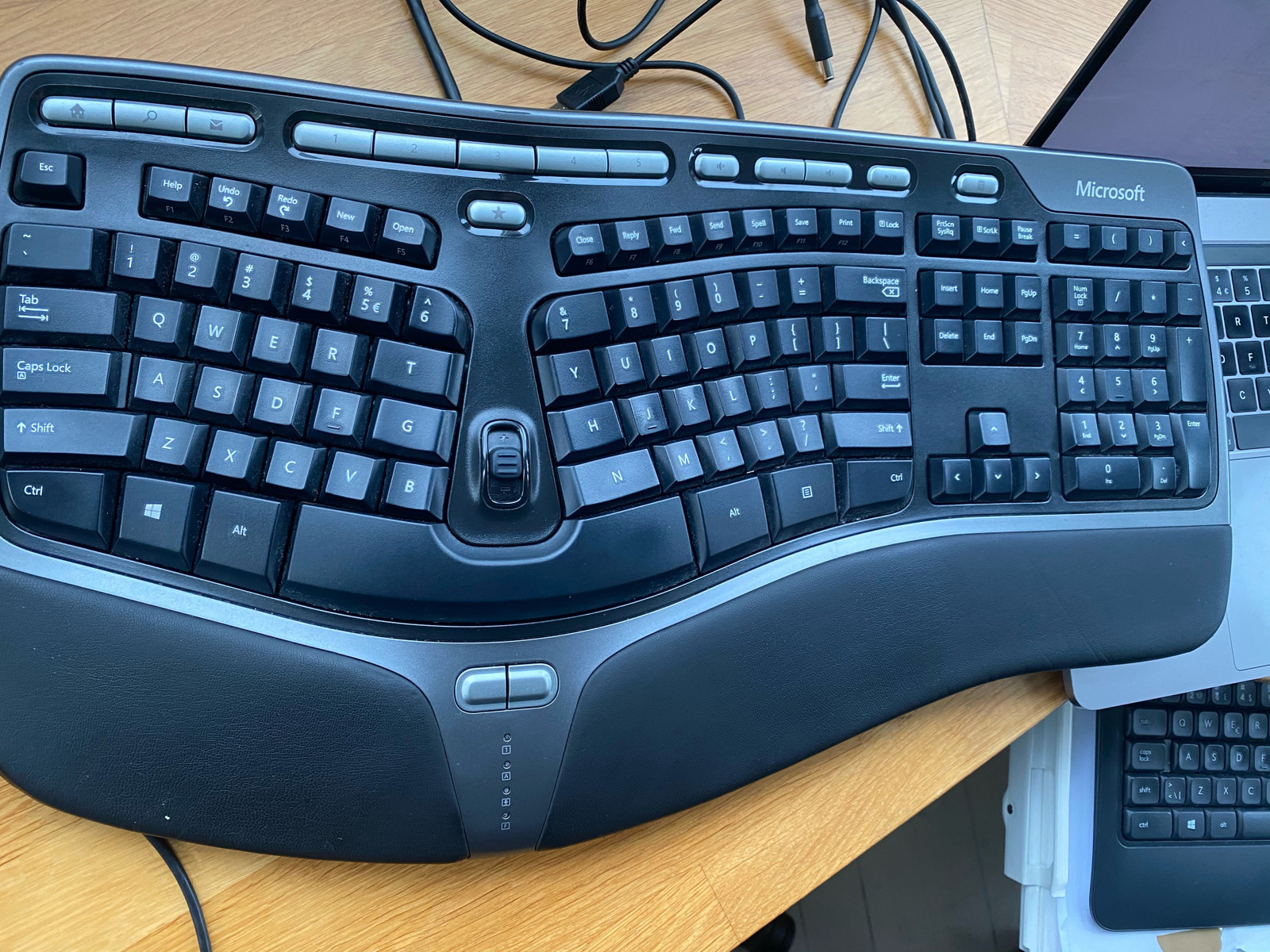 MICROSOFT MS Natural Ergonomic Keybord 4000 Nordic   Milrab.no