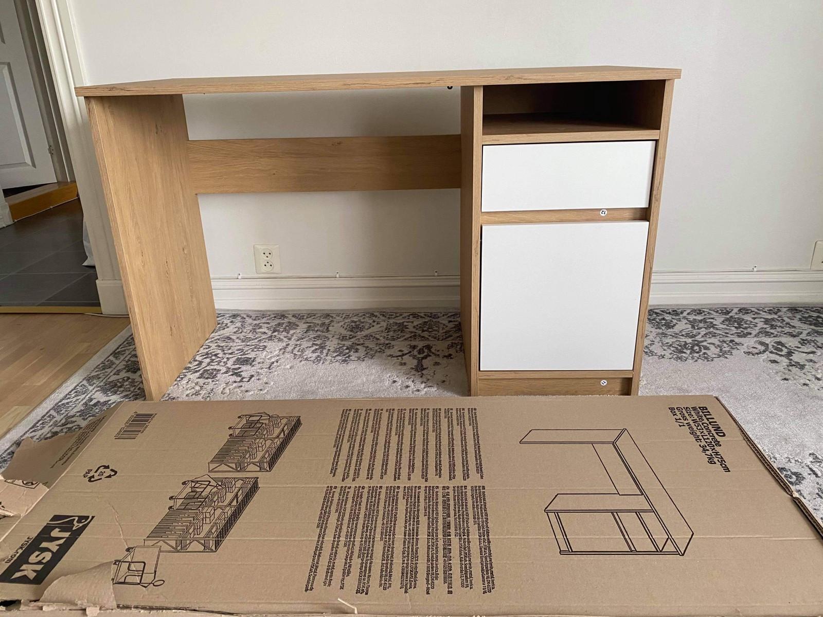 Helt ny skrivebord skrivepult   FINN.no