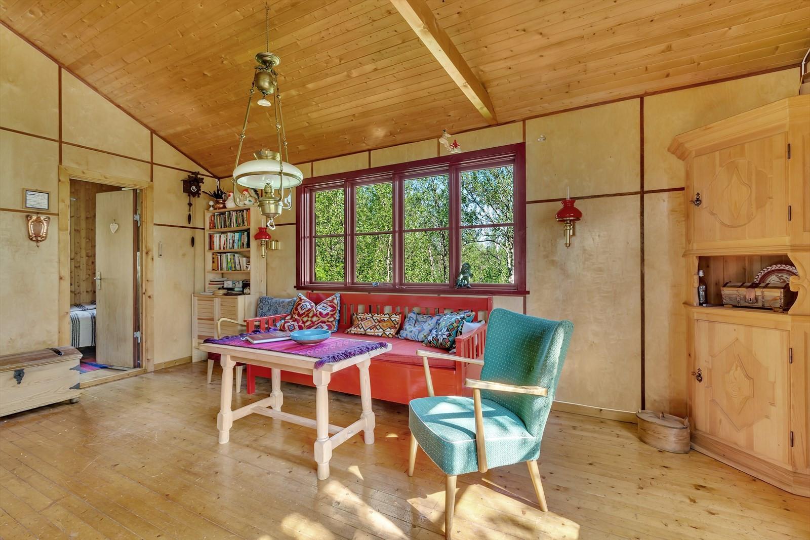 Møbler som står i hytten kan medfølge etter avtale