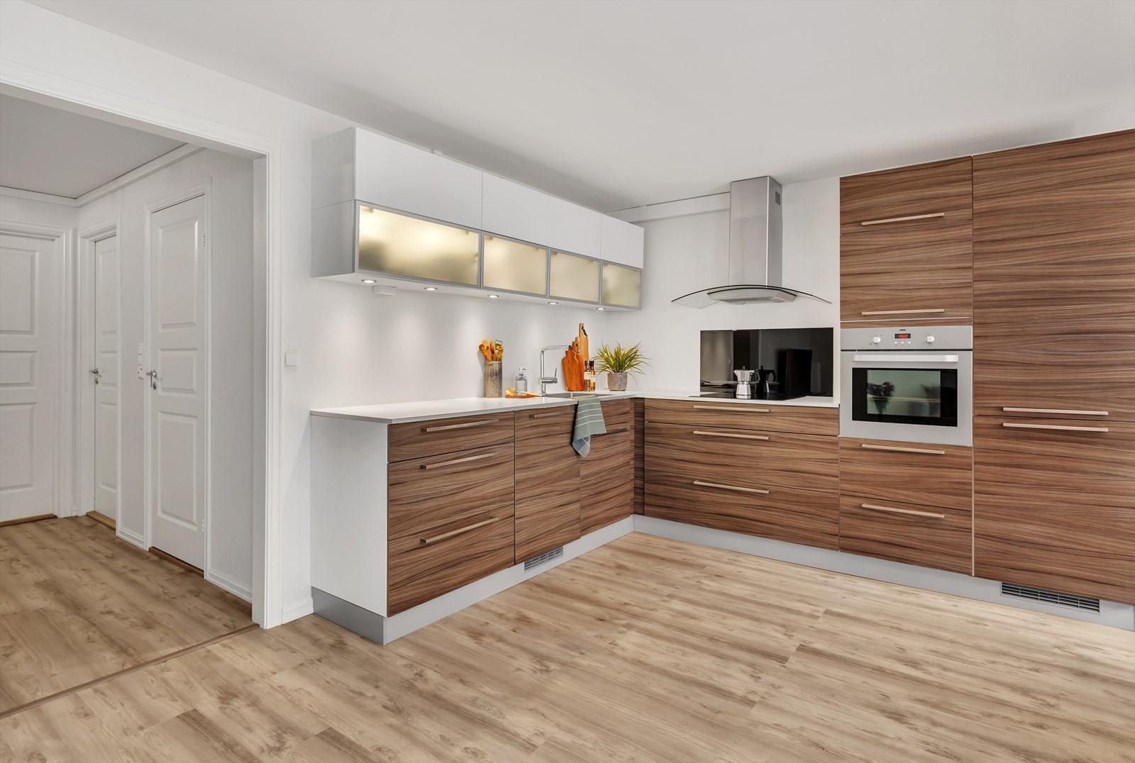 Kjøkkenet er fra KVIK med helintegrerte hvitevarer