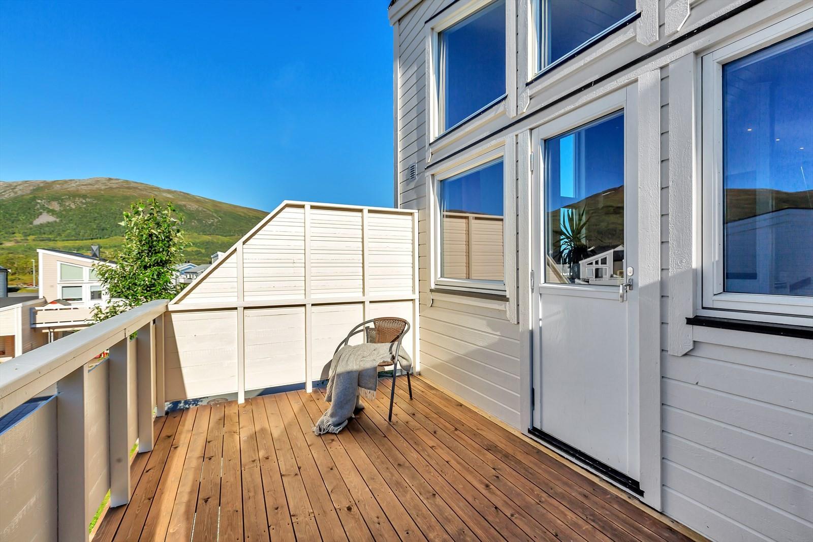 Terrasse med gode solforhold til sent på kvelden