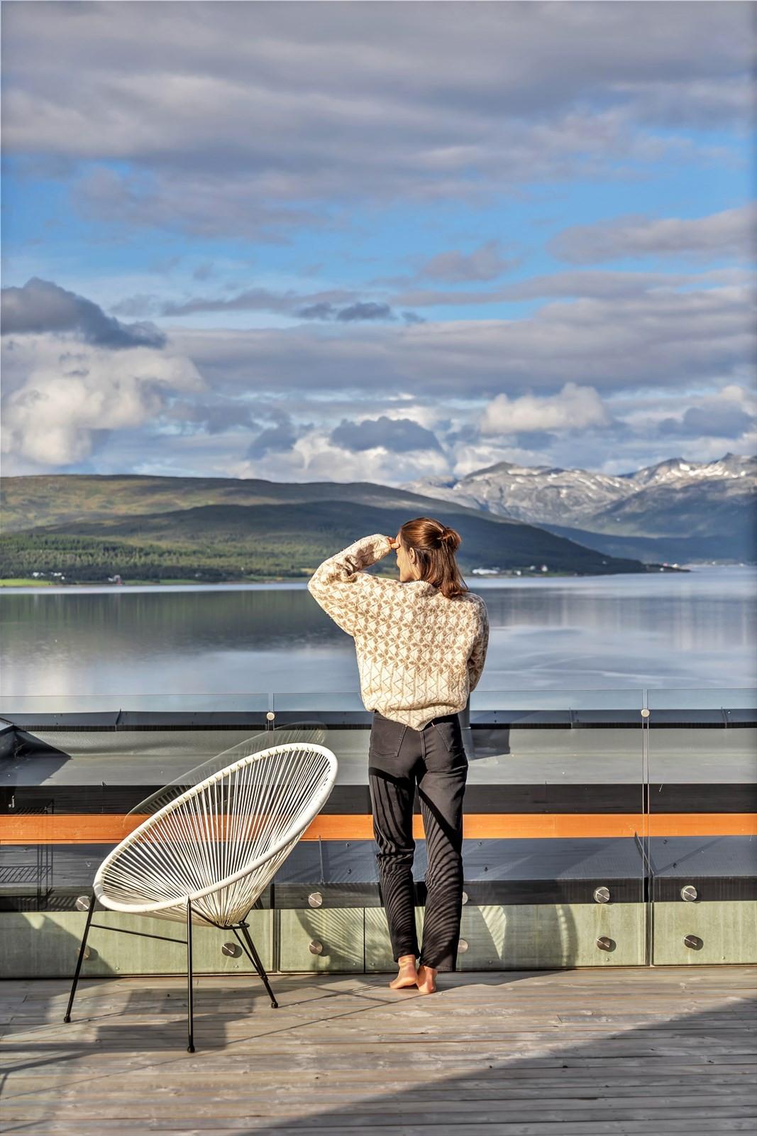 Vid utsikt mot Sandnessundet, Kvaløya og Ringvassøya