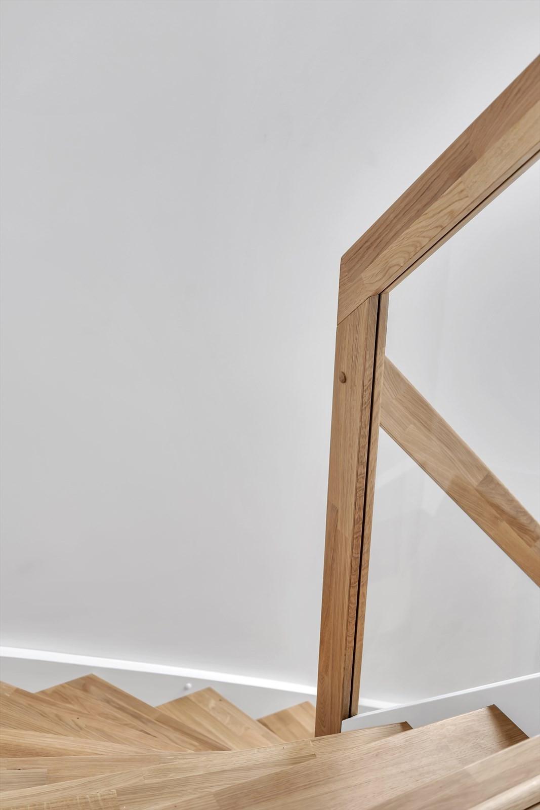 Trappen er fra Solli trappefabrikk på Senja