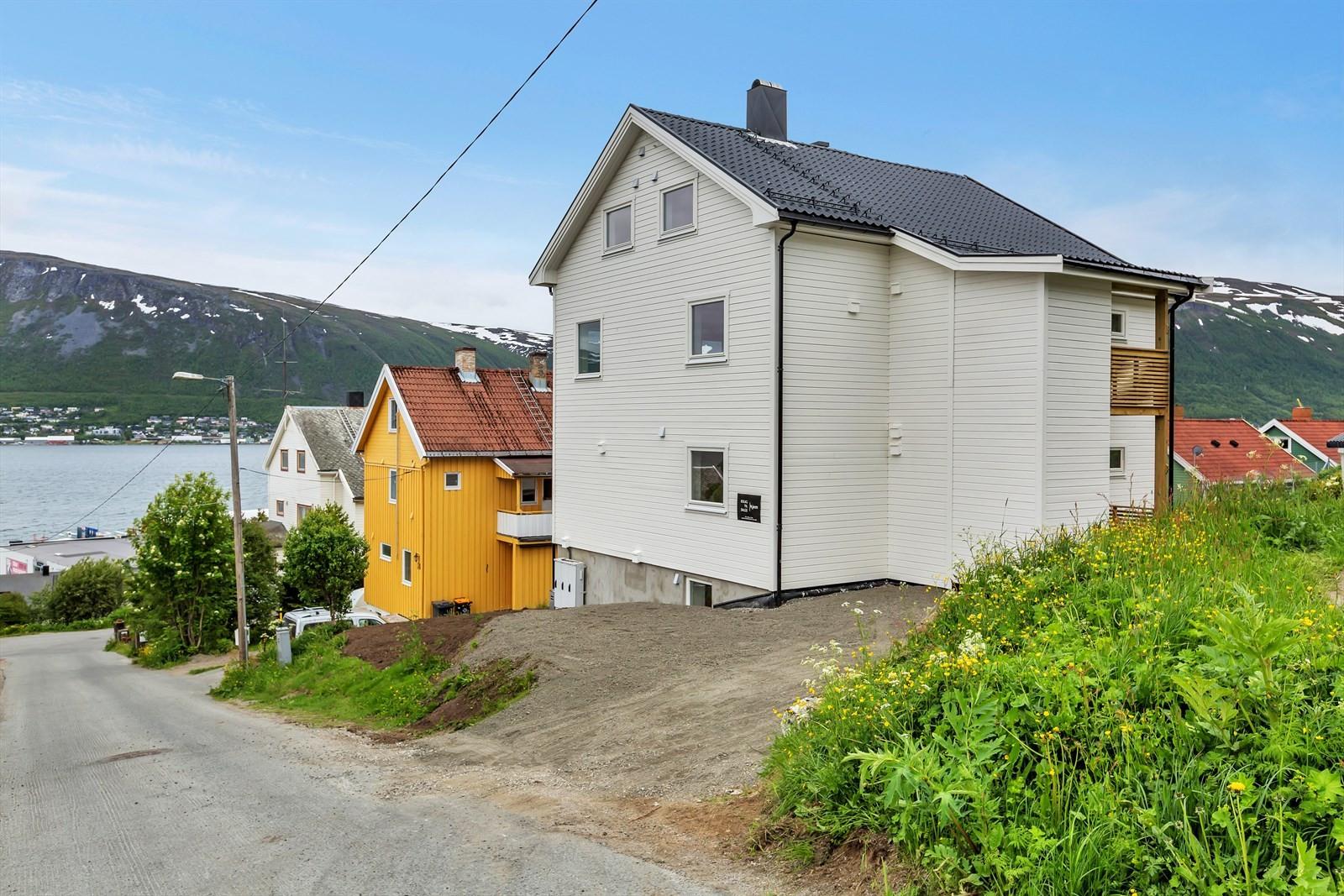 Opparbeidet adkomst fra Holmboevegen.