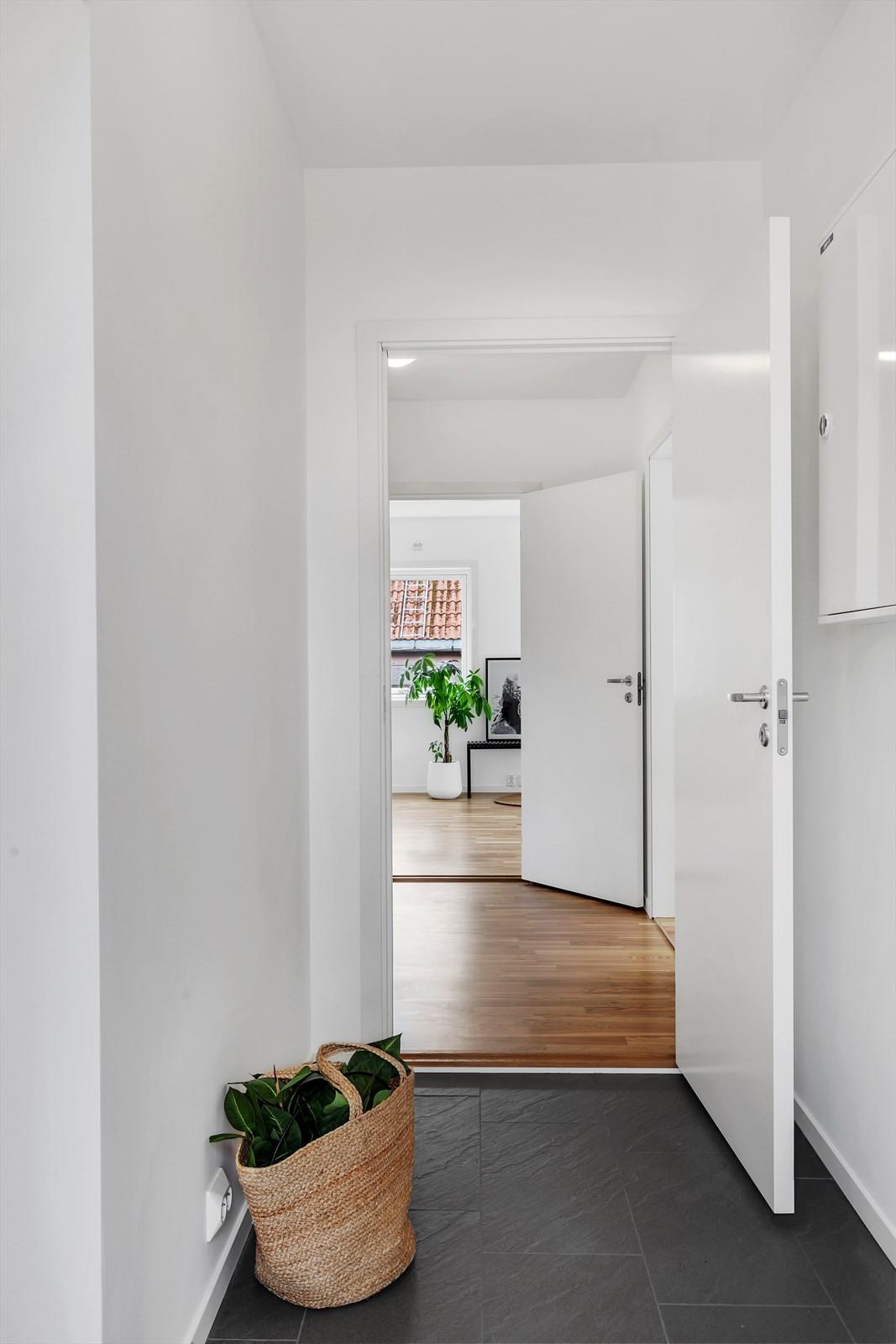 Flislagt gulv med gulvvarme i entré