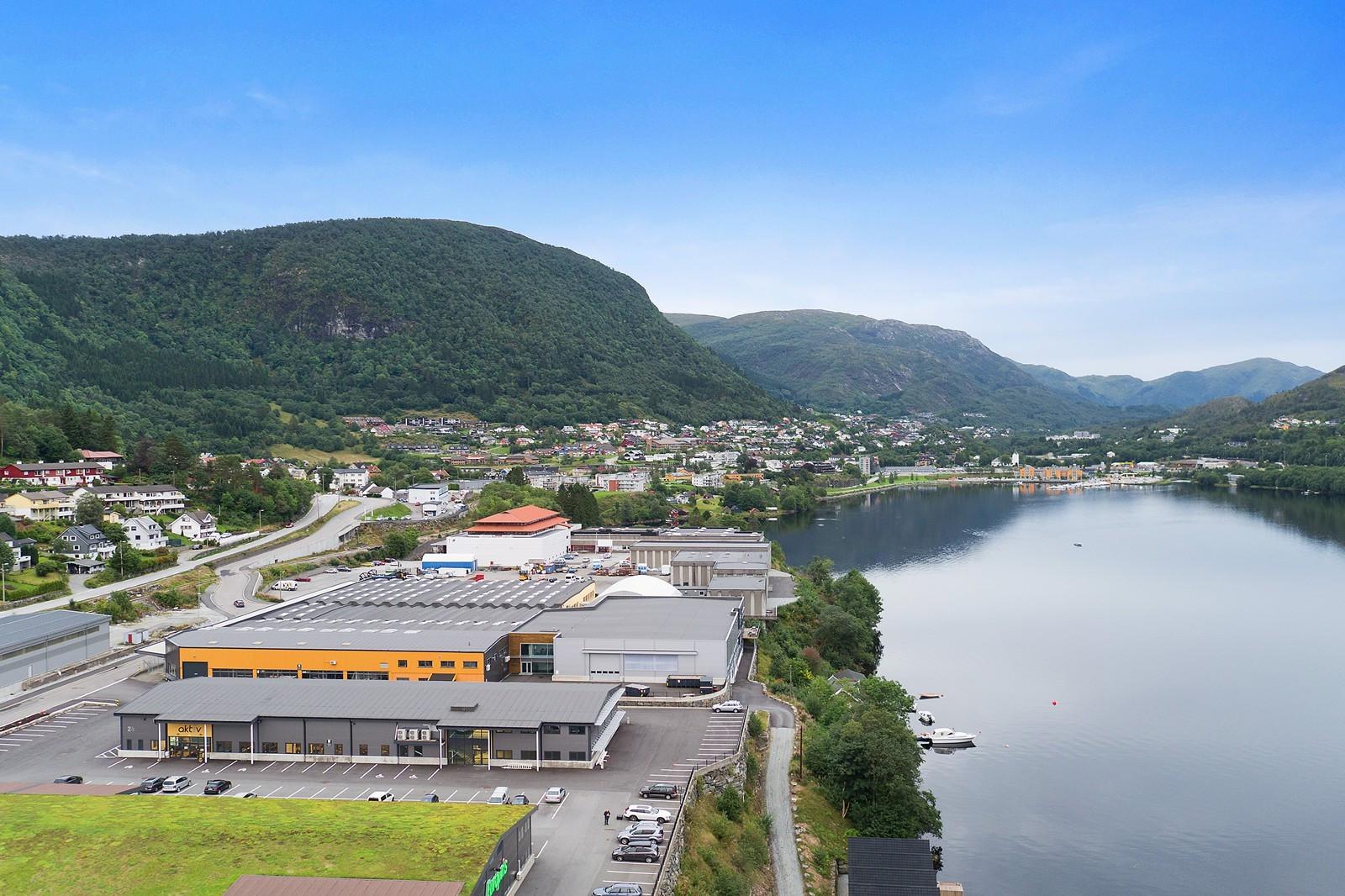 Fantastisk beliggende ved Arnavågen.