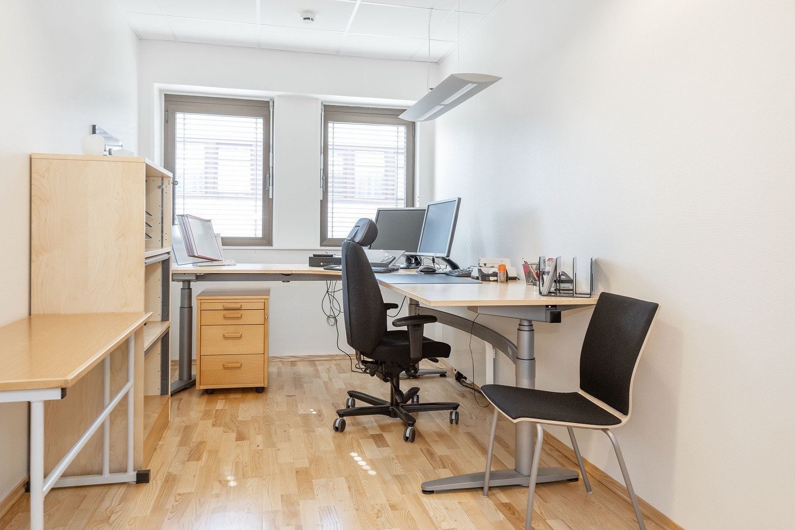 Lyse kontorer med gode lysforhold