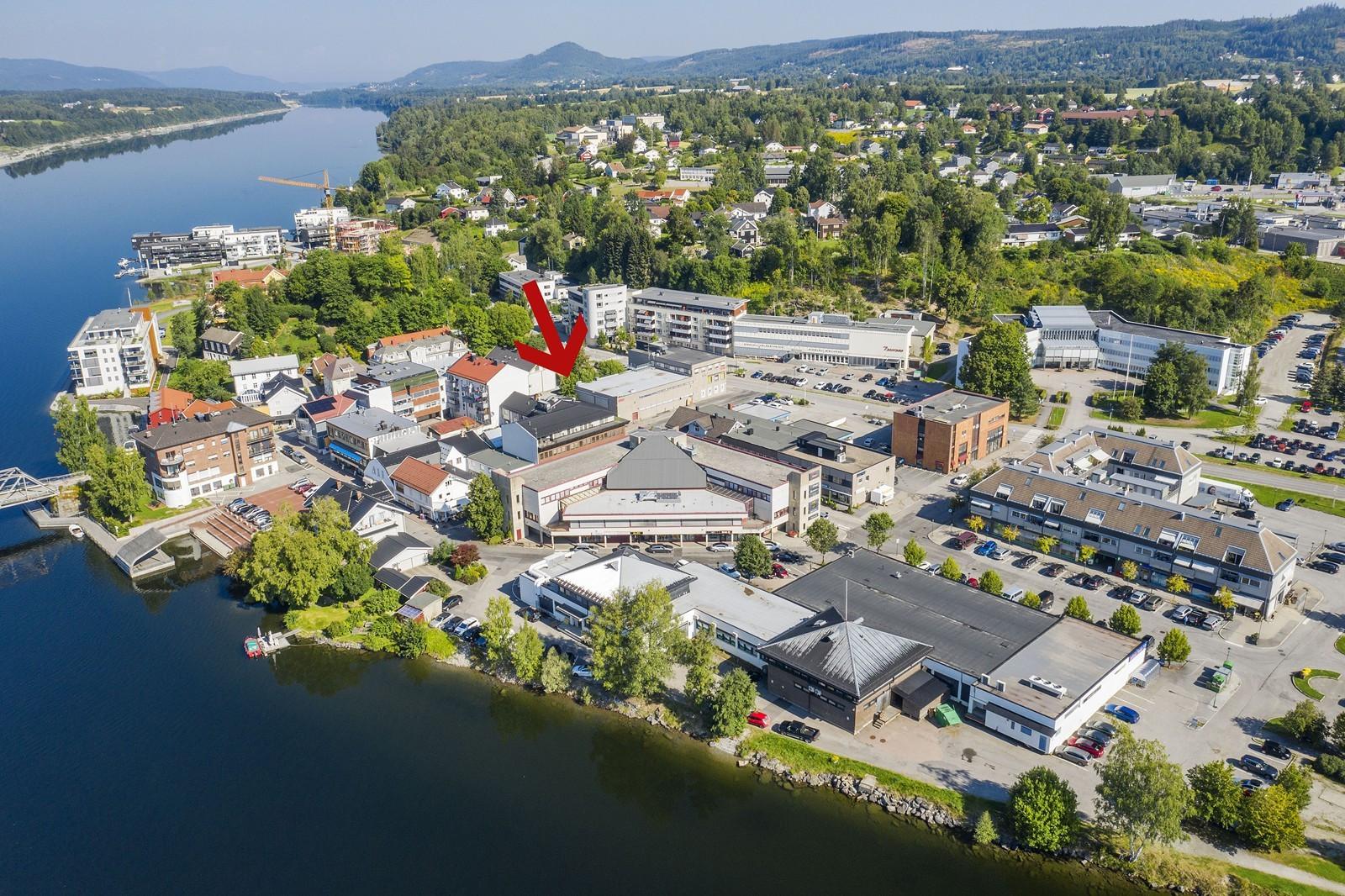 Meget sentral beliggenhet i Eidsvoll sentrum