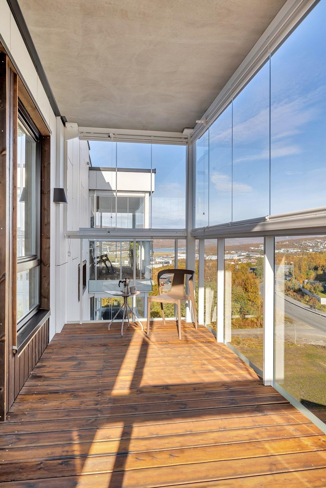 Innglasset veranda (vinterhage) utenfor soverommene