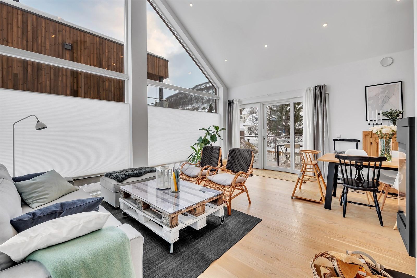 Et utrolig fint areal med stue og åpen løsning mot kjøkkenet