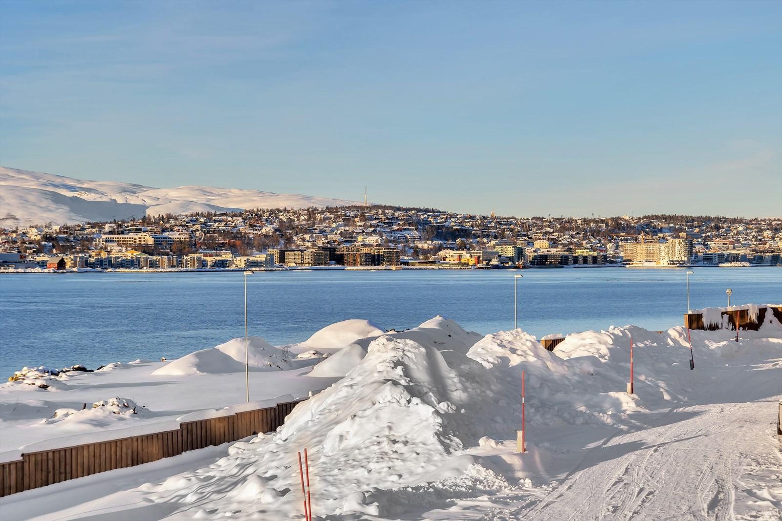 Byen med Kvaløya