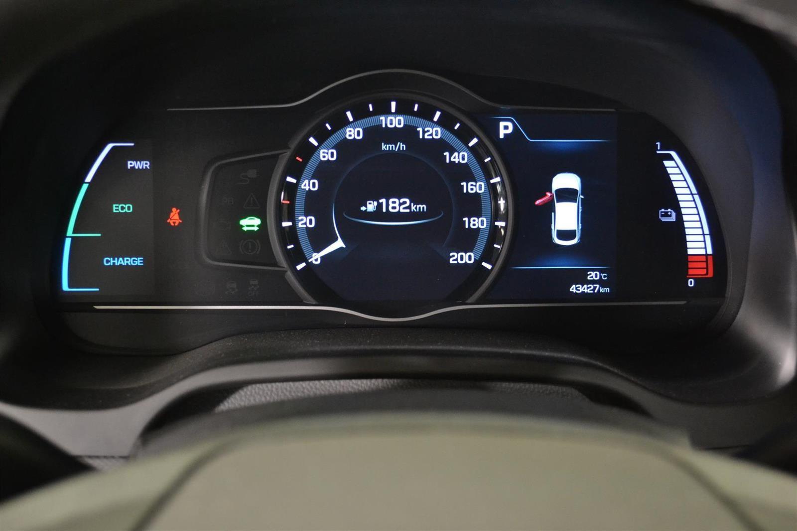 Hyundai IONIQ Slide 16