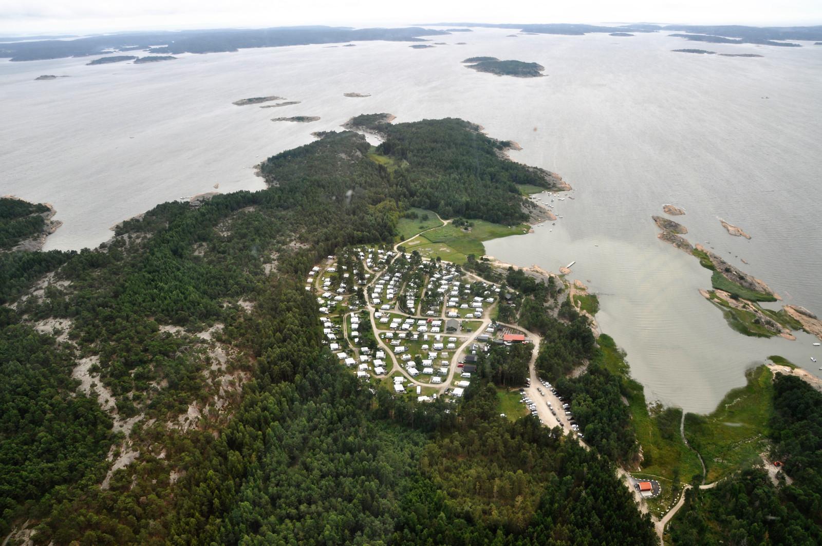 Flyfoto tatt fra nord med Hvaler i bakgrunnen