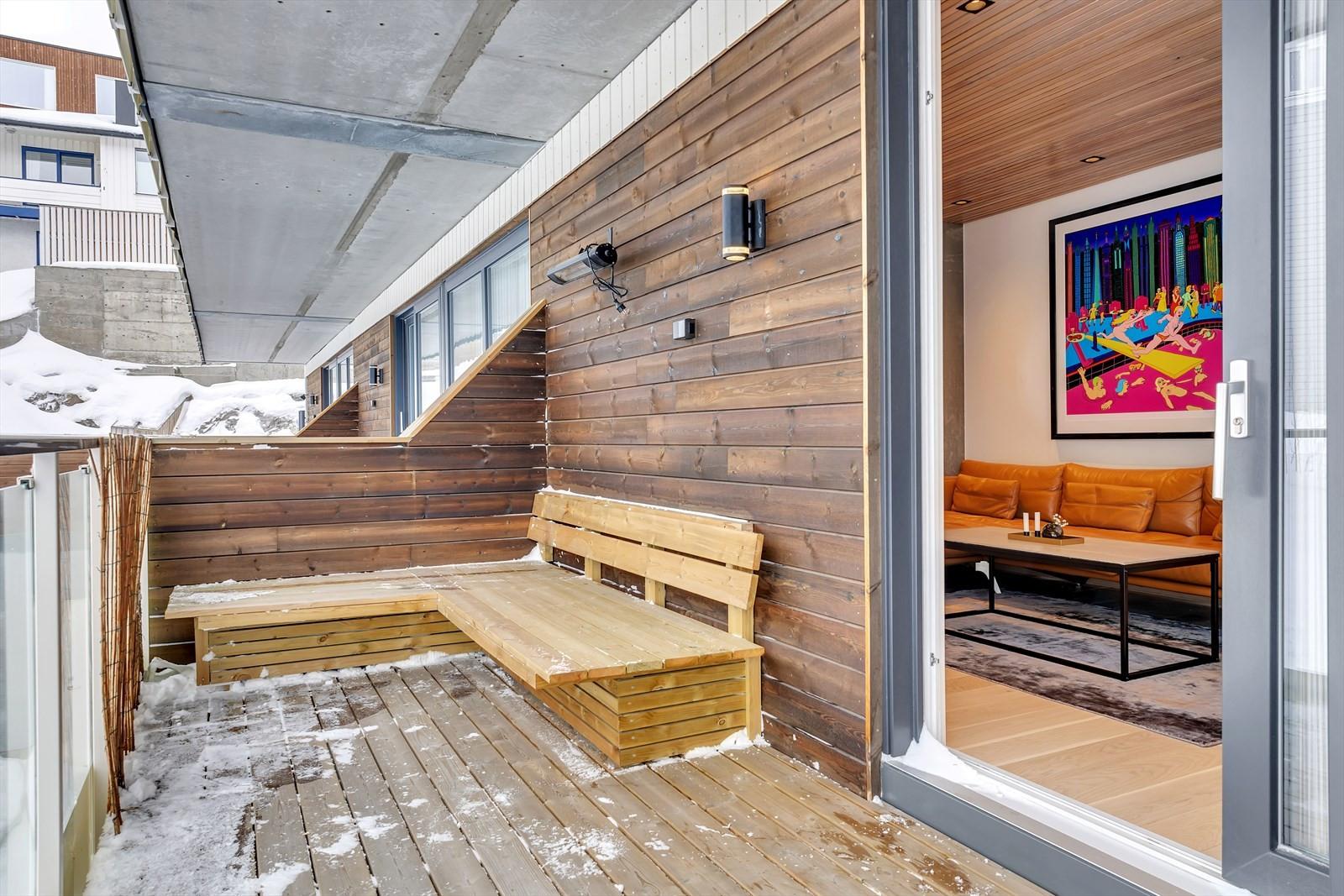 Lun veranda som kan brukes sommerstid. I le for nordavinden.