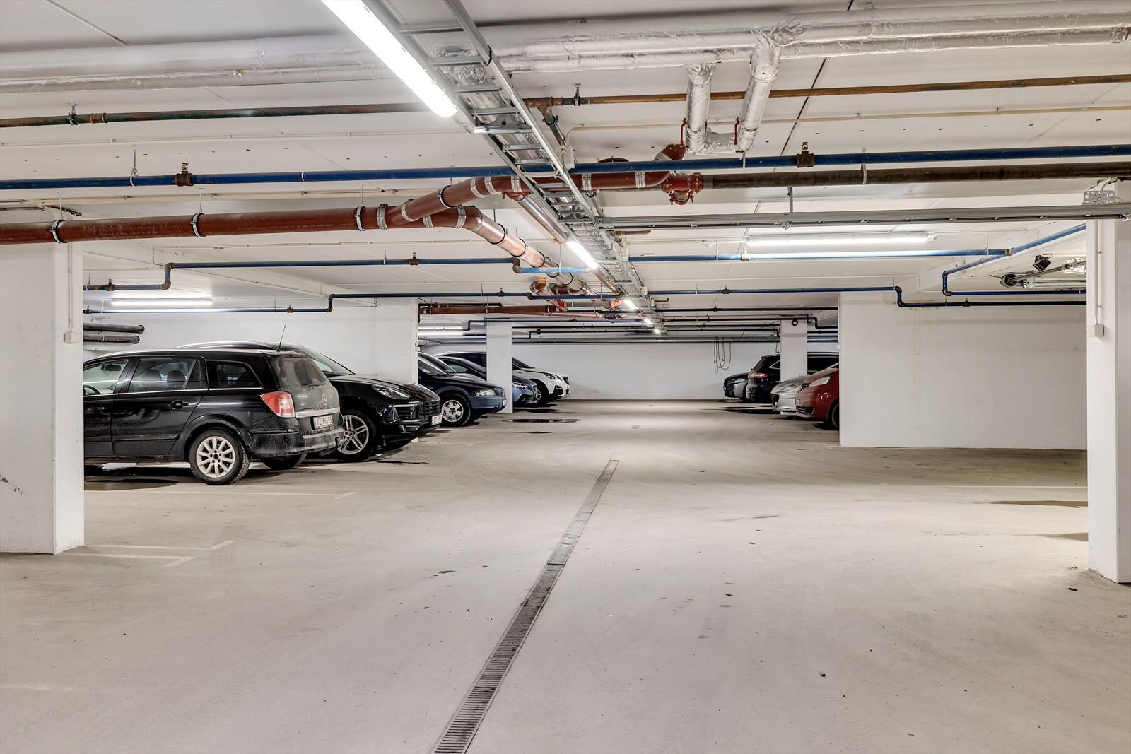 Lyst og moderne garasjeanlegg