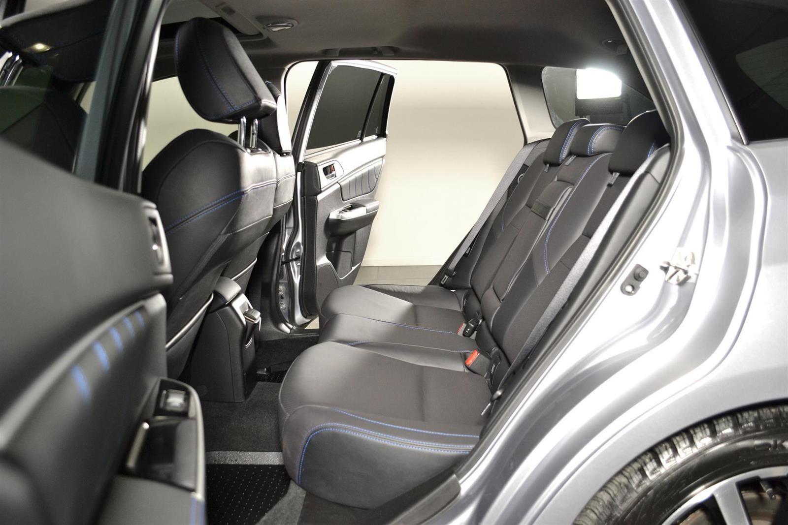 Subaru Levorg Slide 16