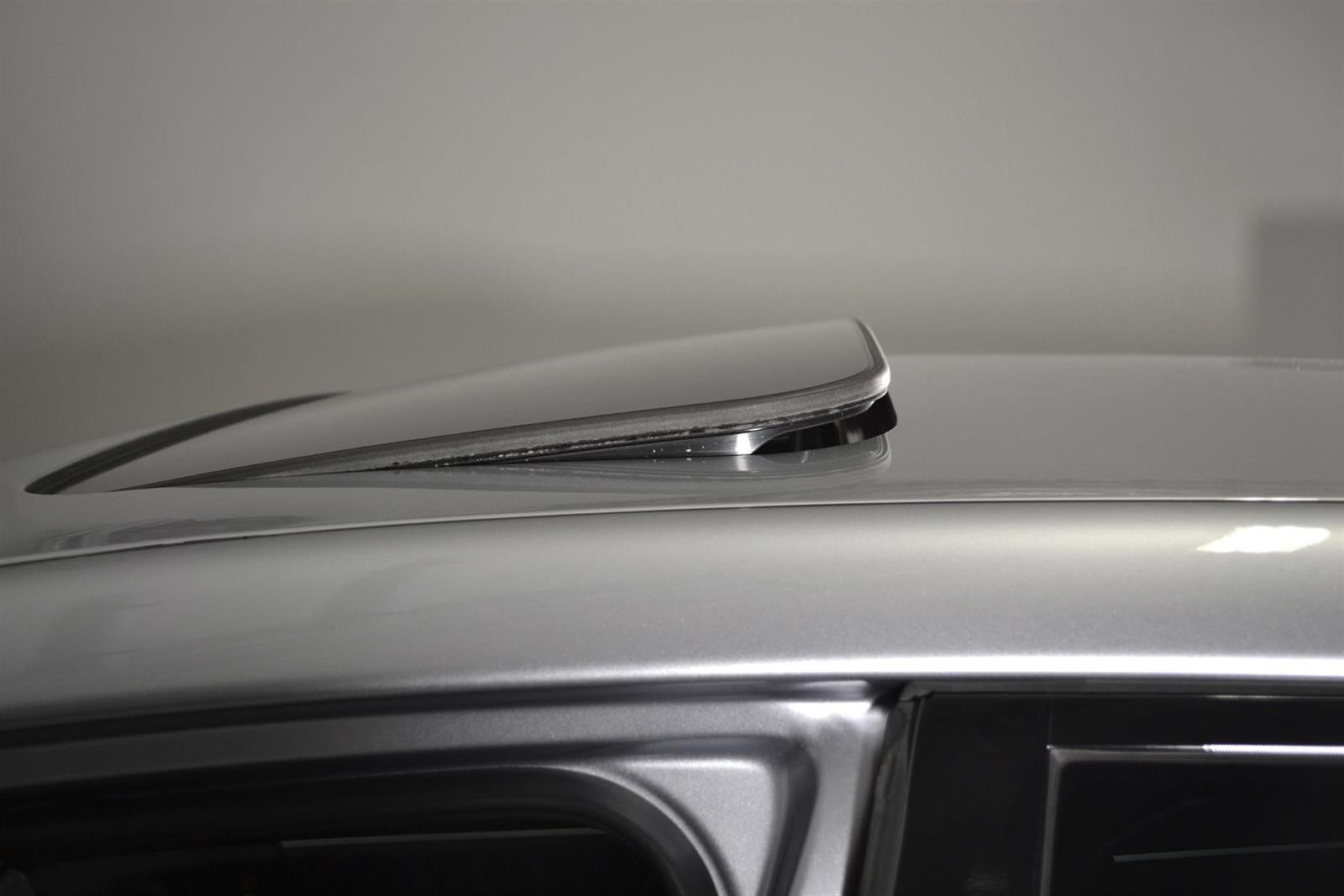 Subaru Levorg Slide 8