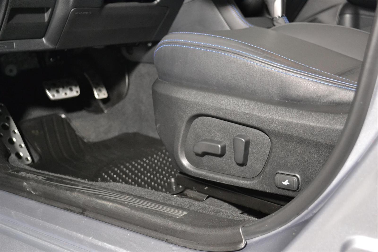 Subaru Levorg Slide 18