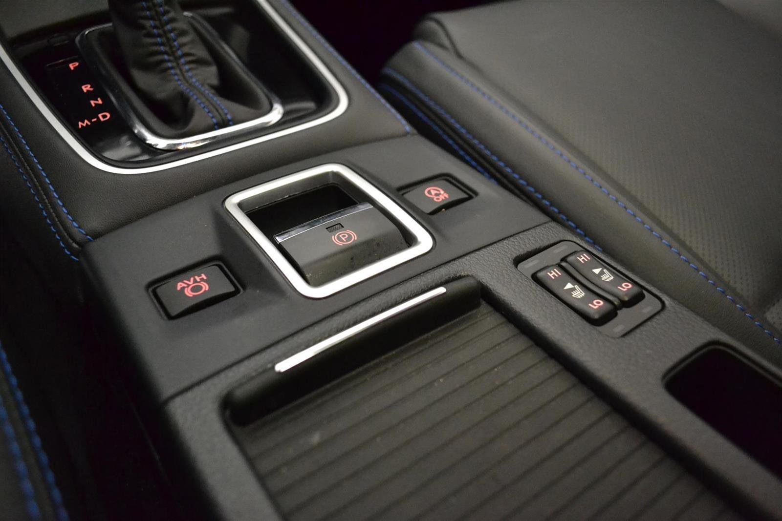 Subaru Levorg Slide 25