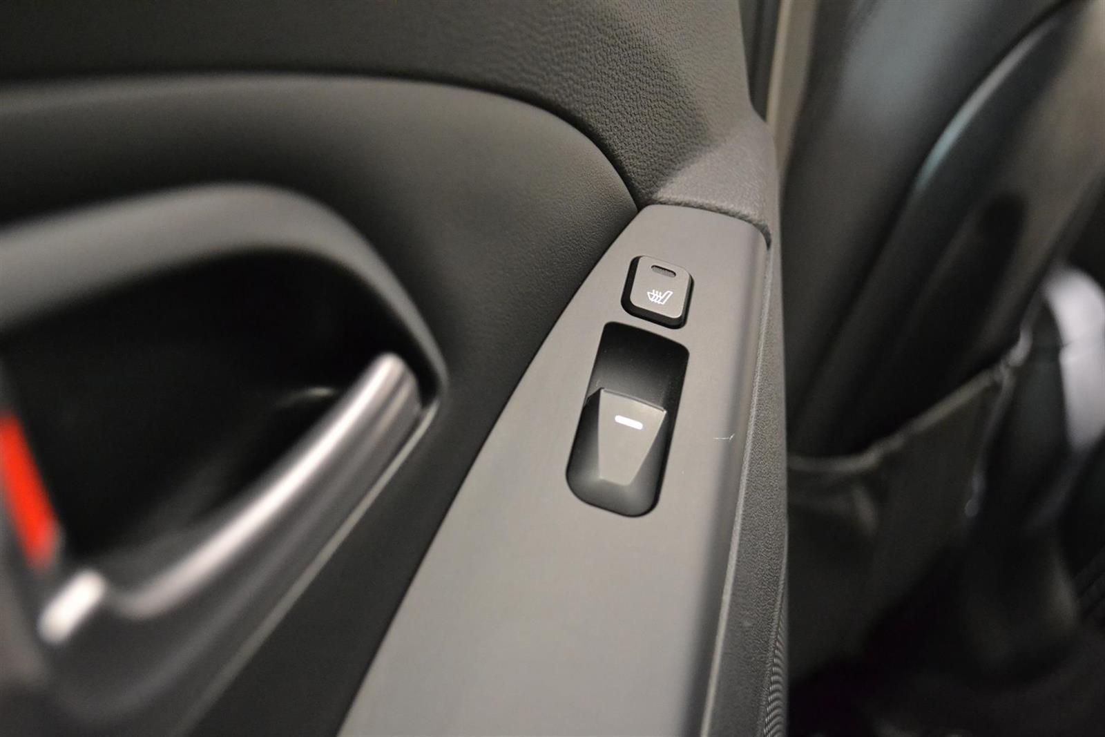 Hyundai ix35 Slide 11