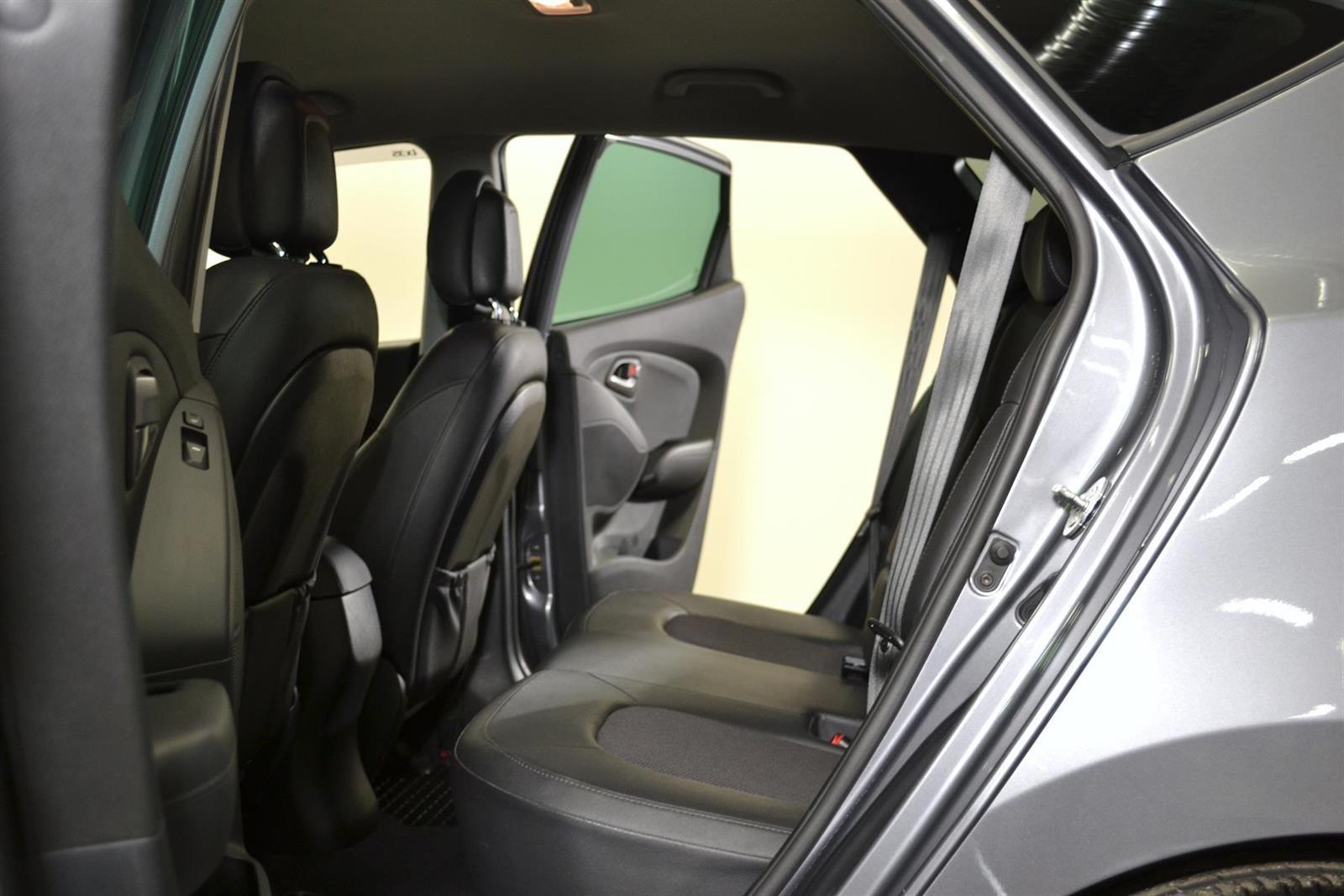 Hyundai ix35 Slide 10