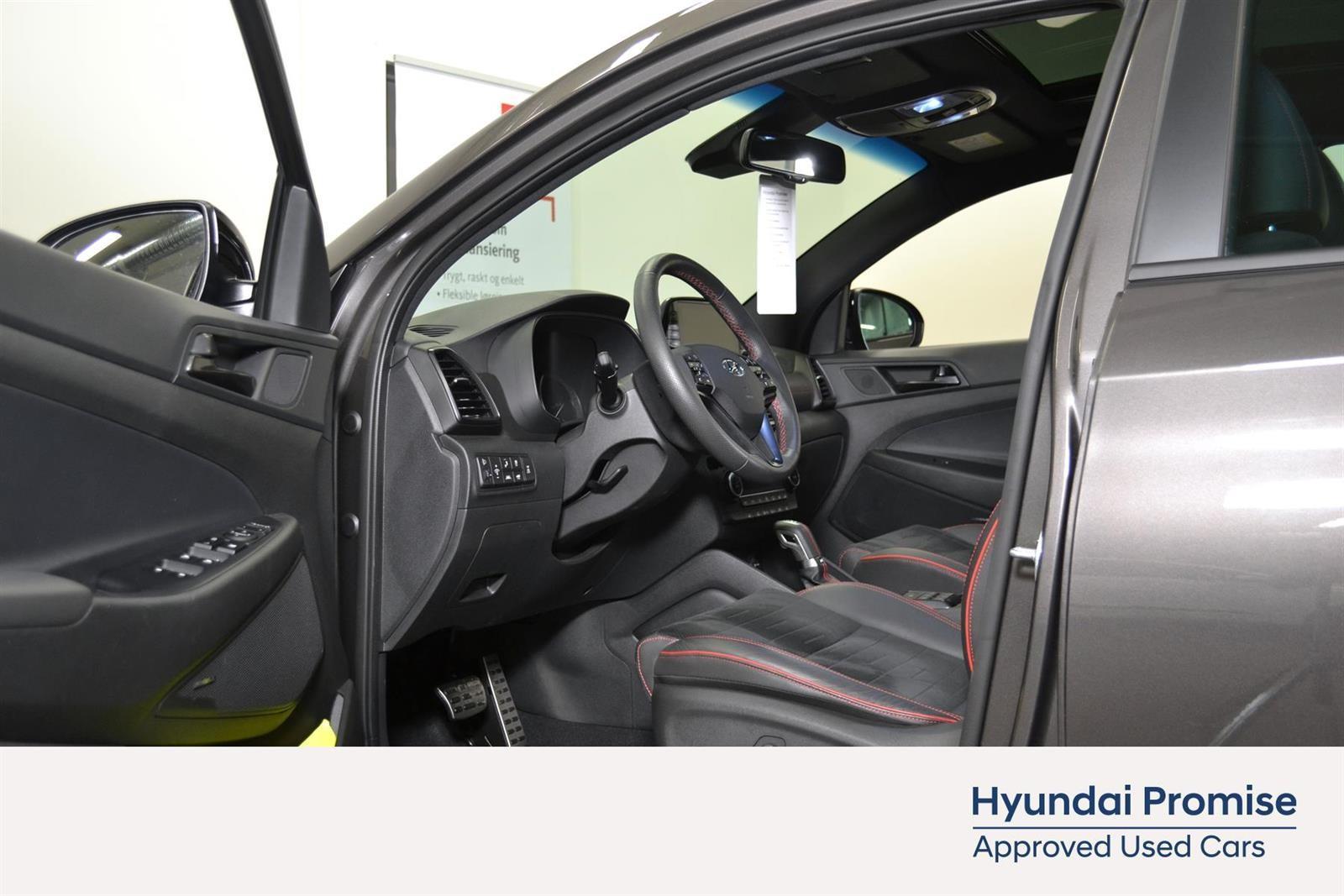 Hyundai Tucson Slide 16