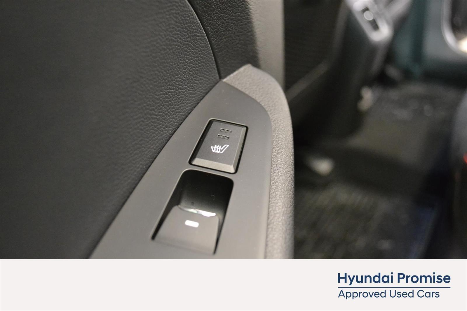 Hyundai Tucson Slide 15