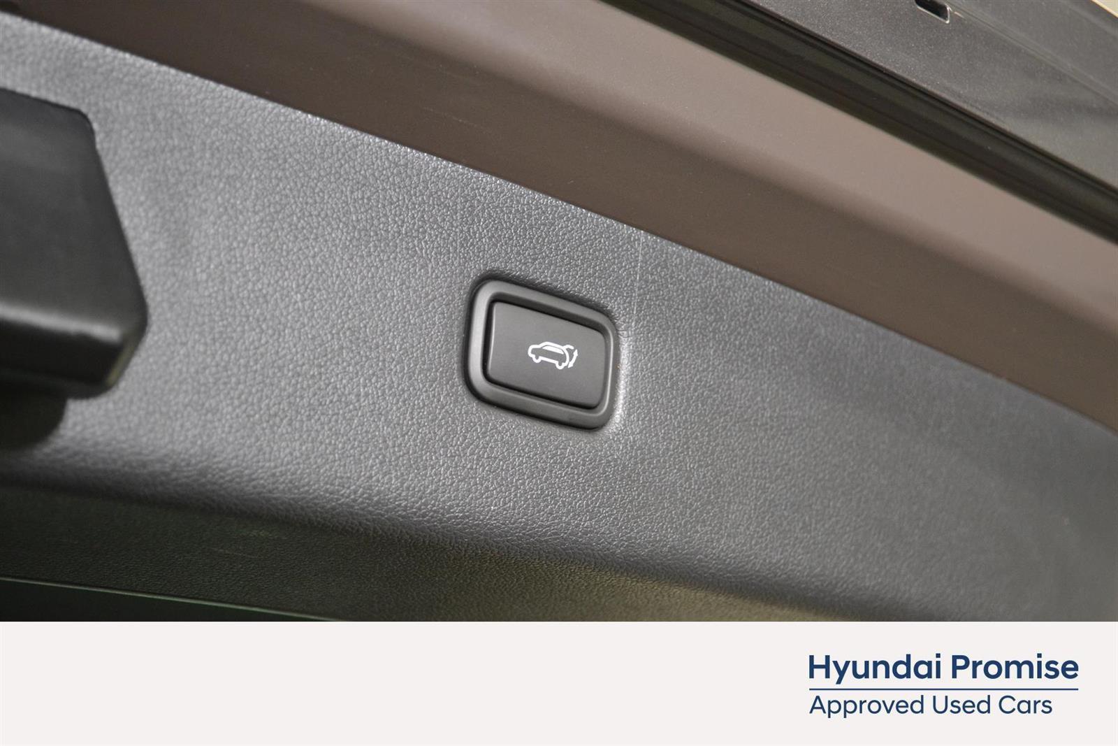 Hyundai Tucson Slide 11