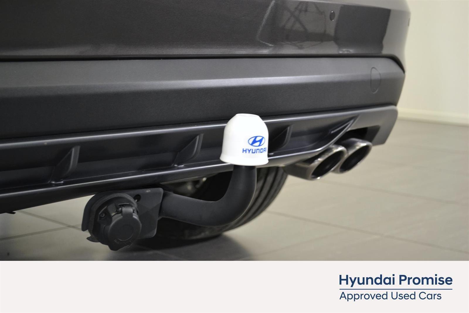 Hyundai Tucson Slide 7