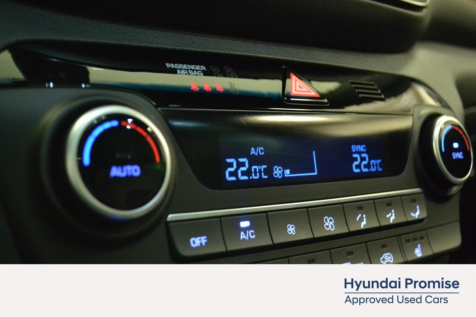 Hyundai Tucson Slide 24