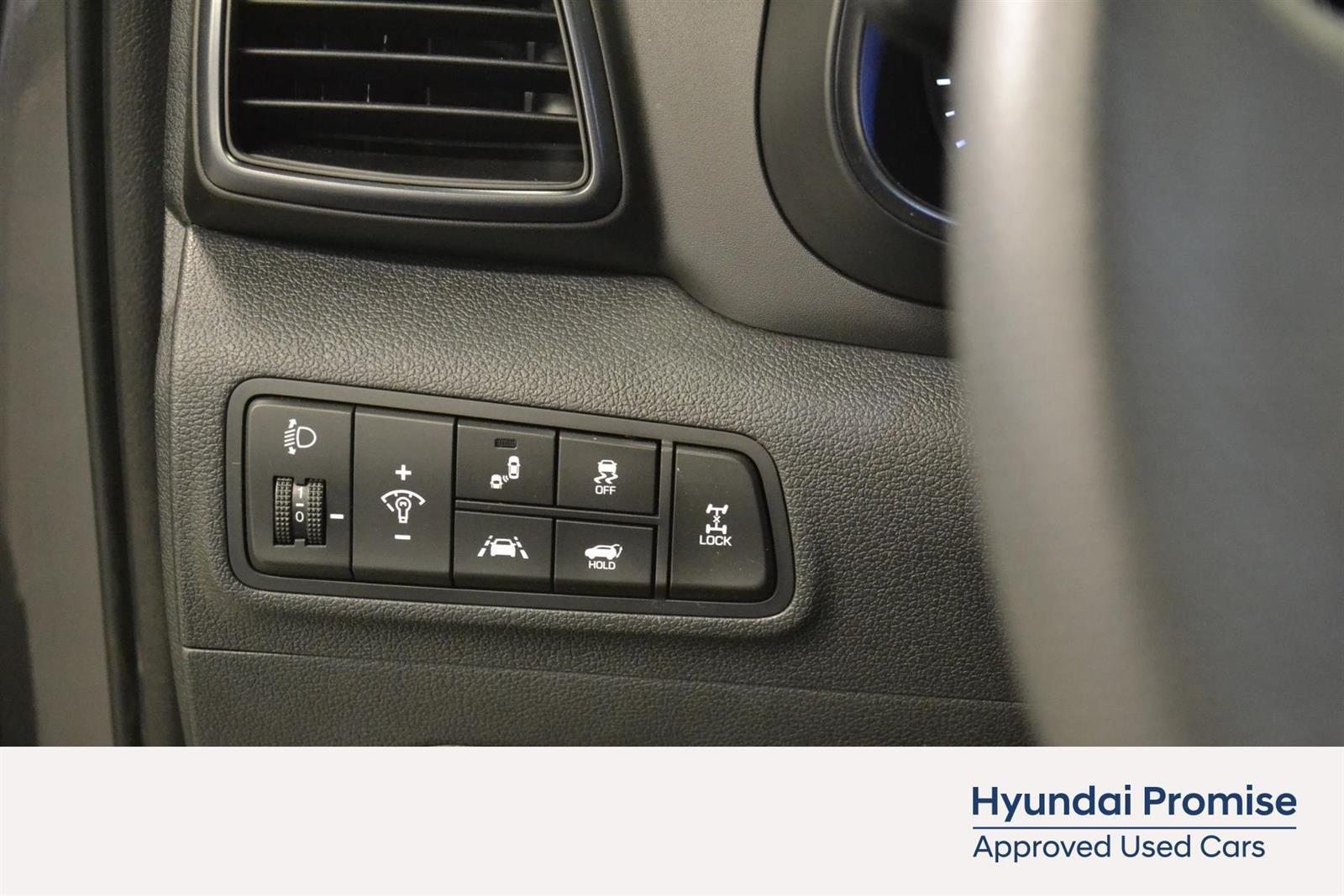 Hyundai Tucson Slide 20